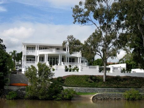 Posh house on side of the Brisbane river