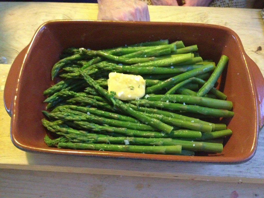 Mike+Ollie - Organic and in season asparagus with butter