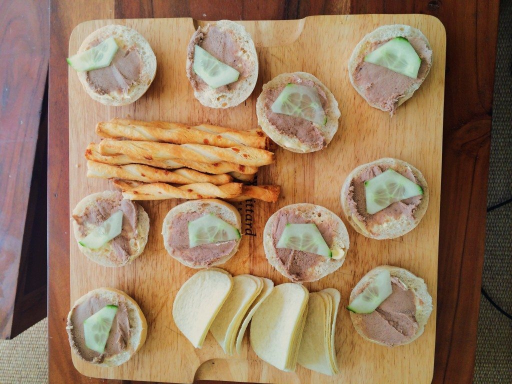 mini buns with duck pate